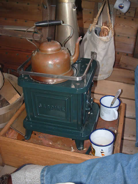 Small wood stove for boats